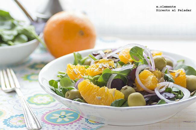 Ensalada de naranja con aceitunas y cebolla morada para celebrar el 'Día Mundial de la Tapa'