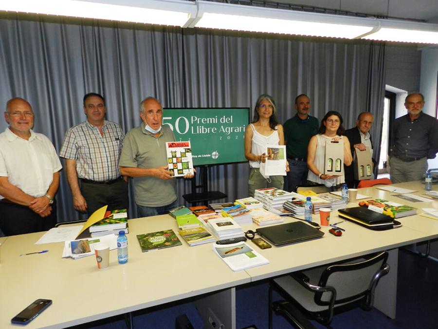 Dos obras sobre plagas agrícolas ganan los premios del Libro y del Artículo Agrarios convocados por Fira de Lleida