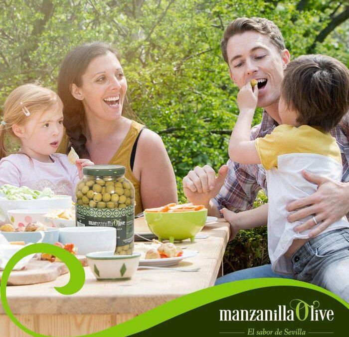 #Siempre es buen #momento para comer buenas #aceitunas. #manzanillaolive #aceitunas #olives